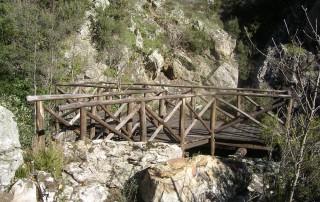 Balconata Arocha, lungo il sentiero Gole del Crocchio