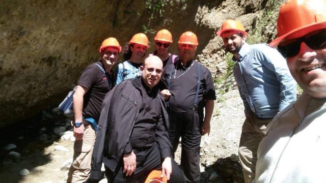 Monsignor Vincenzo Bertolone in visita alle Valli Cupe